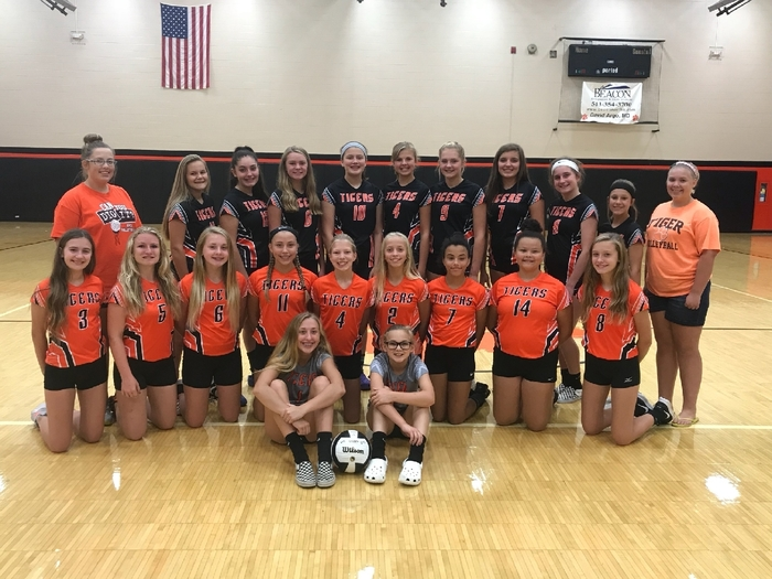 7th & 8th Grade Volleyball Team