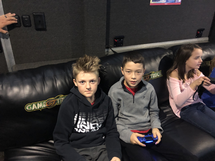 5th graders at Game Truck.