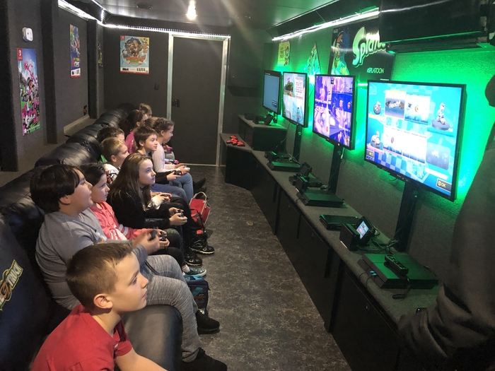 4th graders on the Game Truck.